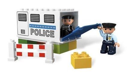 5680 Полицейский грузовик (конструктор Lego Duplo) фотография 6