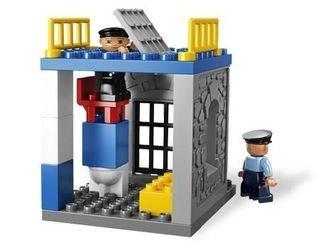 5681 Полицейский участок (конструктор Lego Duplo) фотография 5