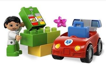 5793 Машина медсестры (конструктор Lego Duplo) фотография 3