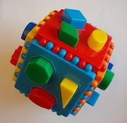 Фото Логический куб со сквозными отверстиями
