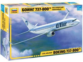 Фото Сборная модель Пассажирский авиалайнер Боинг 737-800 (7019)