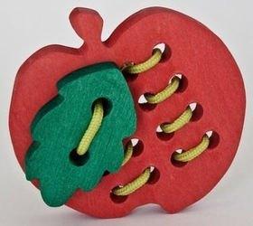 Фото Шнуровка деревянная Яблоко с листочком
